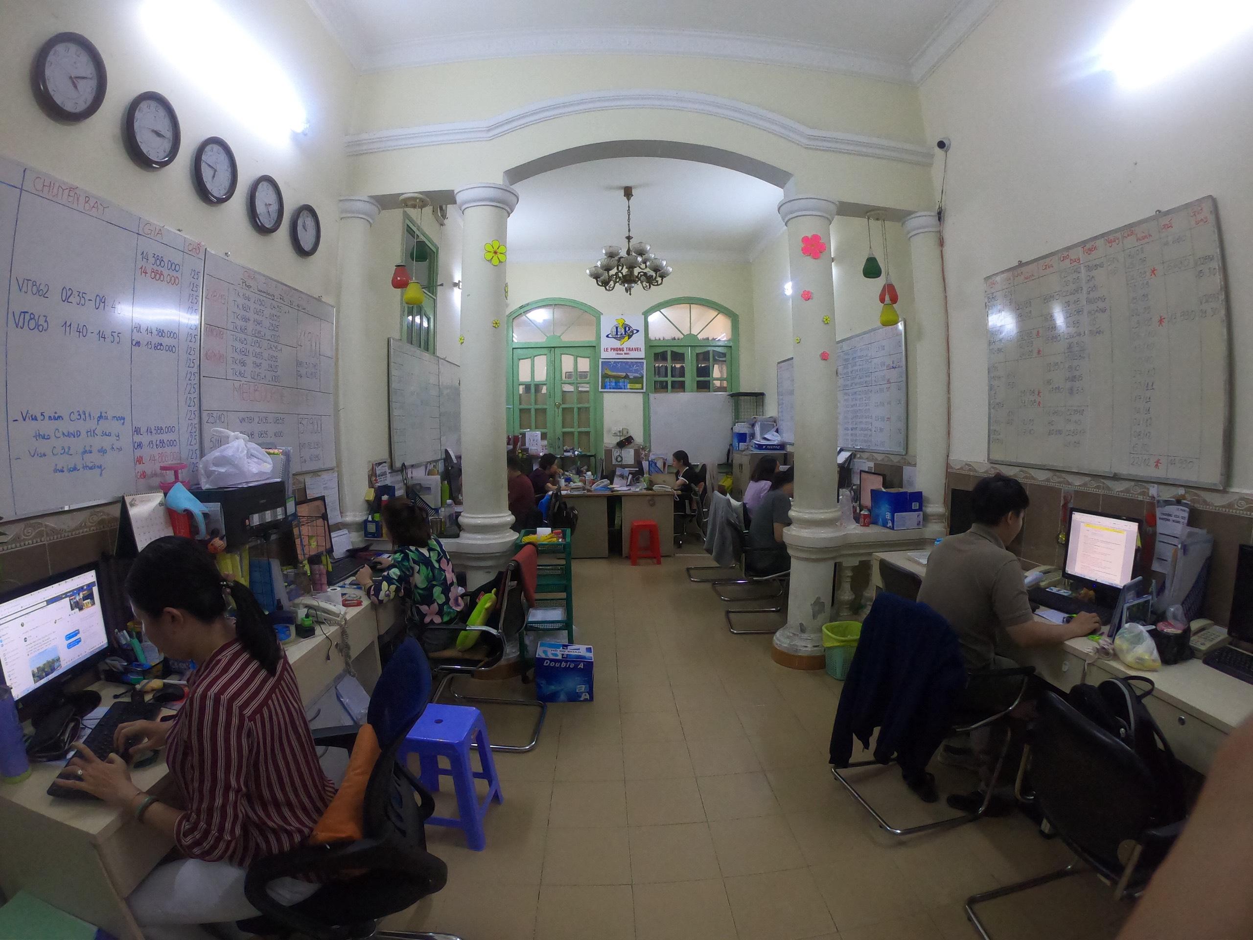Văn phòng Công ty du lịch Lê Phong 4
