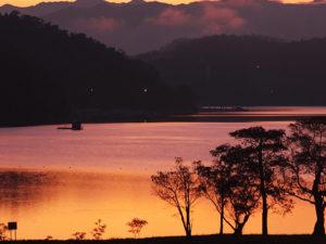 Hồ Nhật Nguyệt đẹp kỳ ảo